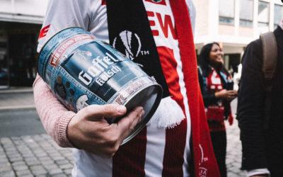 """Aktion """"Torkonto"""" von Gaffel: 700 Partyfässchen für die FC-Fans"""